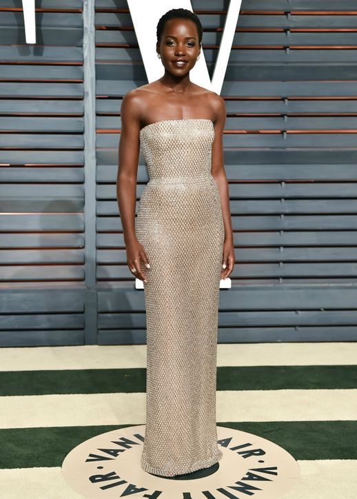 lupita-nyongo-nude-beaded-dress-vanity-fair-oscars-party-2015-h724